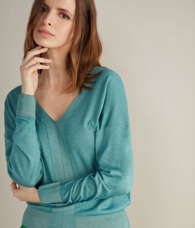 Ultralight Cashmere Oversize V-Neck Jumper