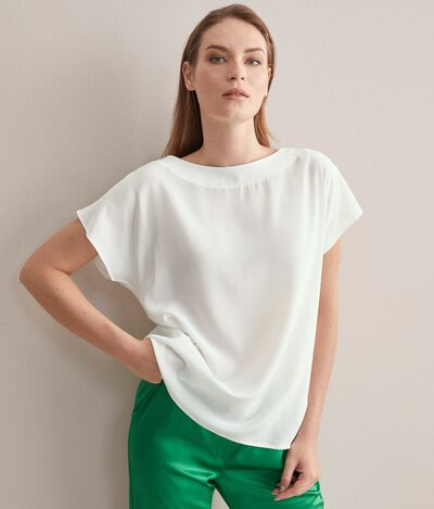 T-shirt Scollo Barchetta in Seta e Modal