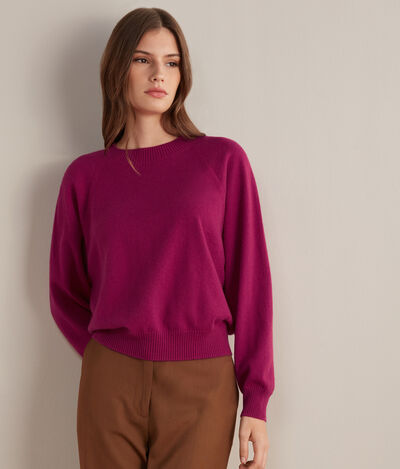 Cashmere Ultrasoft Crew Neck Sweater with Wide Raglan Sleeves