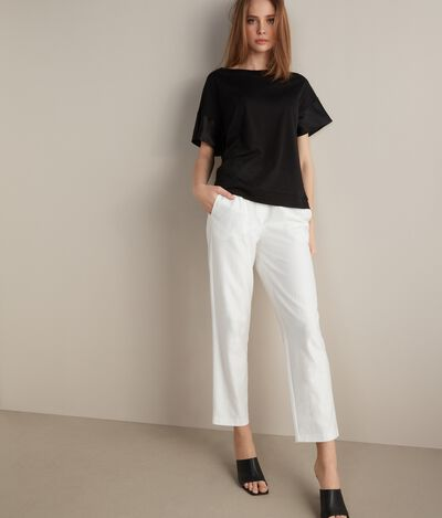 T-Shirt in Fresh Silk with Satin Sleeves