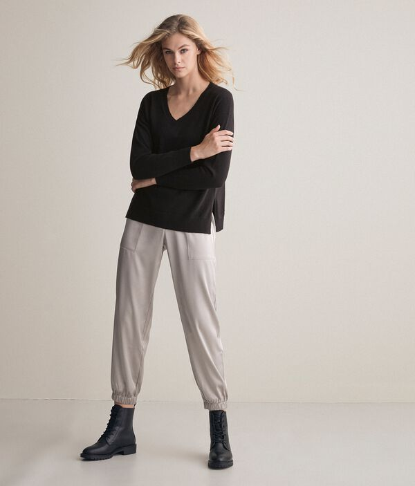 Oversize Ultrasoft Cashmere Sweater with Slits