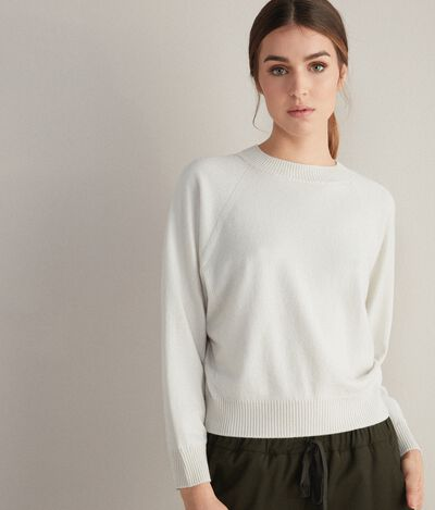 Cashmere Ultrasoft Round-Neck Jumper with Wide Raglan Sleeves