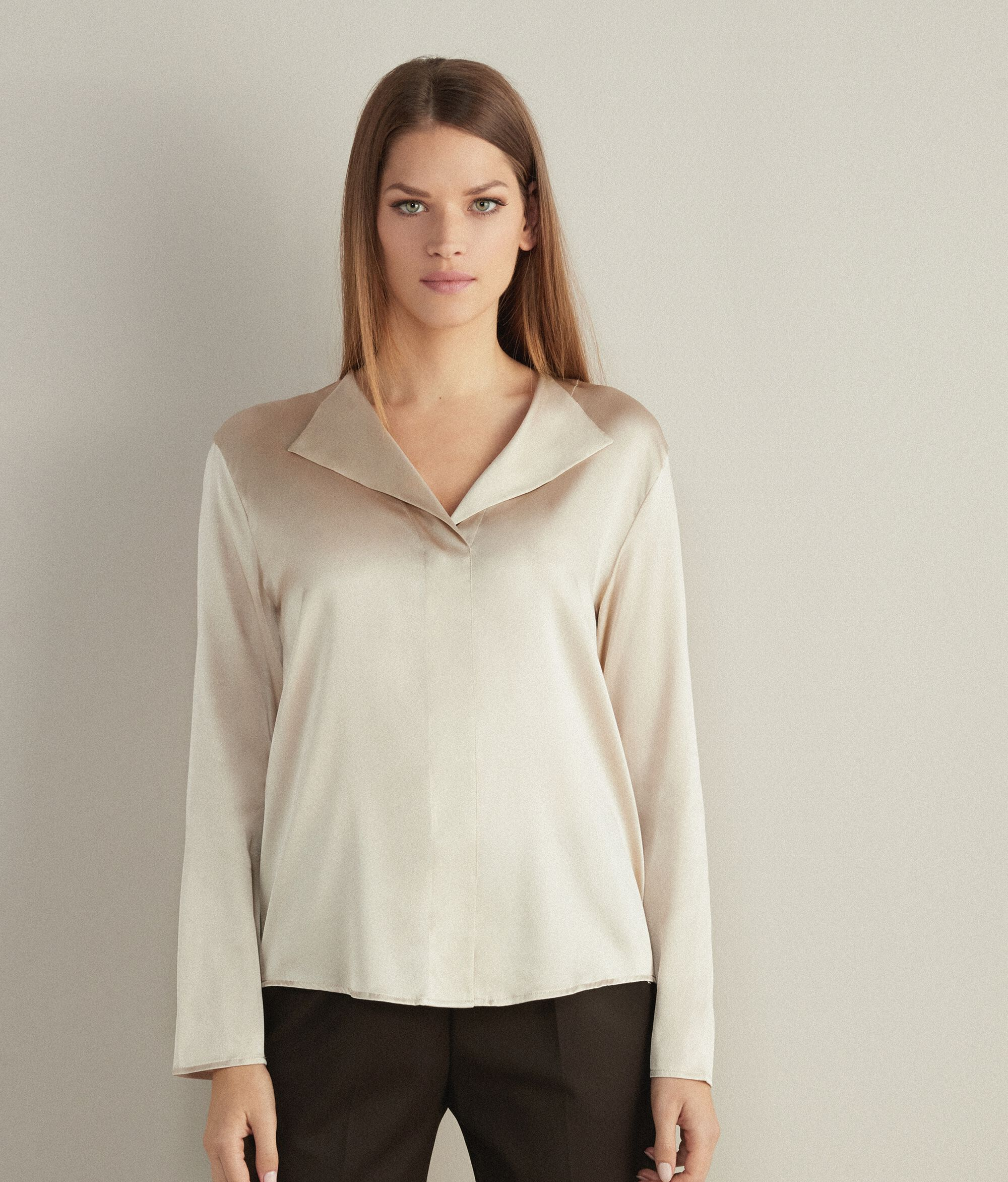 Blusa Scollo V in Seta