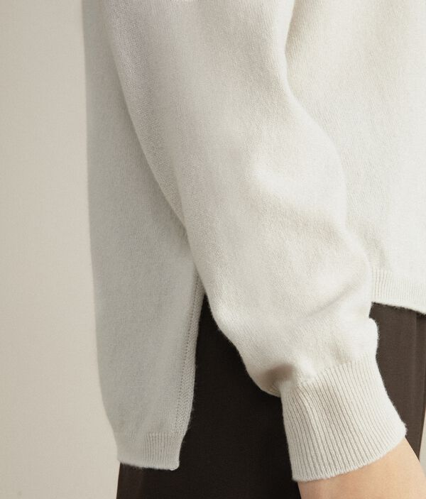 Ultrasoft Cashmere Turtleneck Sweater